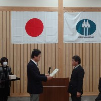 DSC02151縮小30%(4)北山丸太連合会長賞の表彰